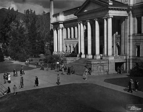 A photo of the University of Utah Park building in the 50s.